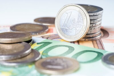 Fototapeta 100 euro uwaga i monet euro