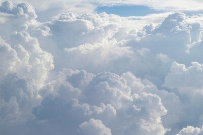 Fototapeta Aerial widok z płaszczyzny puszystego deszczu chmury w ciągu dnia - Cloudscape