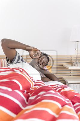 African American Atrakcyjne Człowiek budzi się