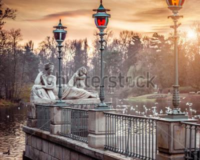 Fototapeta Alegoria rzeki Wisły, posąg w Łazienkach Królewskich, Warszawa, Polska