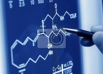alyzing wykres nauki na ekranie