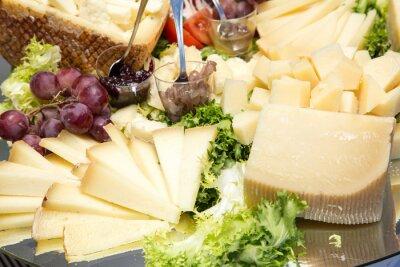Fototapeta Antipasto di formaggio stagionato tłuszczu e cubetti