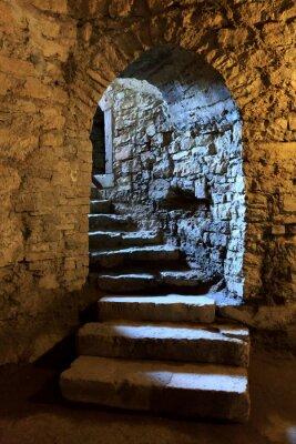 Fototapeta Arch w podziemnym zamku