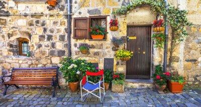 Fototapeta autentyczne urokliwe uliczki średniowiecznych wiosek Włoch, Bolsena