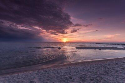 Fototapeta Bałtycka plaża morze na kolorowe słońca, Polska