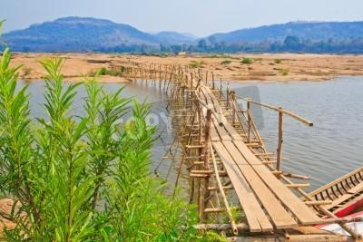 Fototapeta Bamboo mostu na rzece Mekong Tajlandii