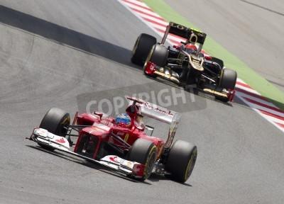 Fototapeta BARCELONA - 13 maja: Fernando Alonso z Ferrari Racing team F1 w wyścigu Formula One Grand Prix Hiszpanii na torze Catalunya, 13 maja 2012 w Barcelonie, Hiszpania. Zwycięzcą został Pastor Maldonado