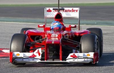 Fototapeta BARCELONA - 21 lutego: Fernando Alonso z Ferrari F1 Racing team w Formule Drużyny dni testów na torze Catalunya w dniu 21 lutego 2012 roku w Barcelonie, Hiszpania