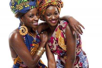 Fototapeta Beautiful African Cyclone Box Obslugiwane modele mody w tradycyjnym stroju.