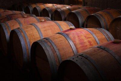 Fototapeta Beczki wina w piwnicy starzenia Ribera del Duero, Hiszpania