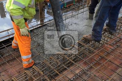 Fototapeta Betonowanie płyty wylewanie betonu budownictwa inżynieryjnego ze zbrojenia i deskowań