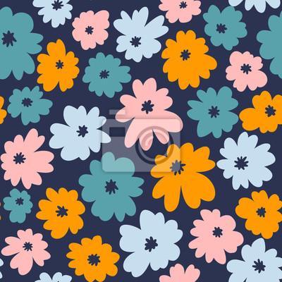 Bezszwowy kwiecisty wzór w doodle stylu z kolorowymi kwiatami. Tapeta wektor.
