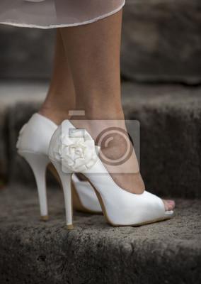 ed2cc06e0e21e Fototapeta Białe piękne szczegóły ślubu panna młoda buty- na wymiar ...