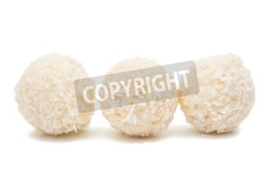 Fototapeta Biały Czekoladowy Cukierek Z Kokosem Topping Na Białym Tle