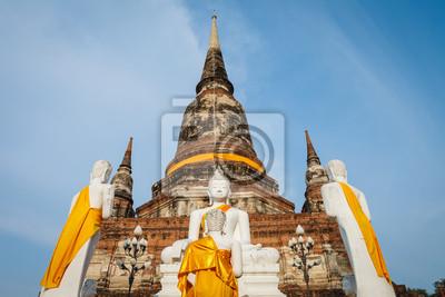 Fototapeta Biały posąg Buddy