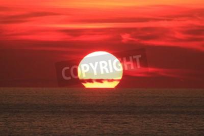 Fototapeta Big Sun na zachodzie słońca