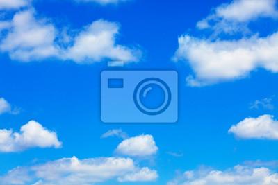 Fototapeta Błękitne niebo z białymi puszyste chmury