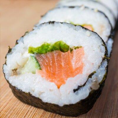 Fototapeta Bliska sushi, owoce morza japoński