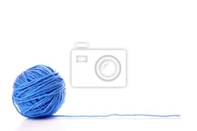 Blue Ball nici wełnianych na białym