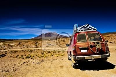 Fototapeta Boliwia, dramatyczny krajobraz, pustynia, jeep i górskich