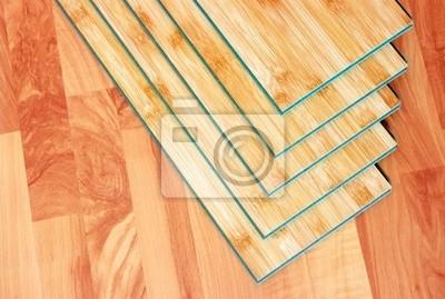 brązowe drewniane deski