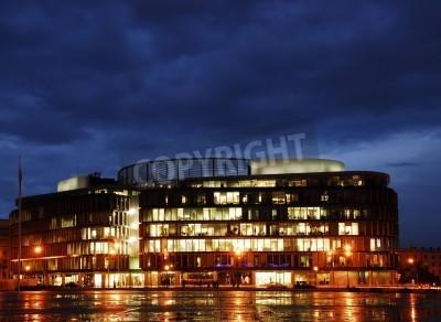 Fototapeta Budynek Metropolitan, jest jednym z najważniejszych przestrzeni publicznych Warszawy. Architektura przez Norman Foster.