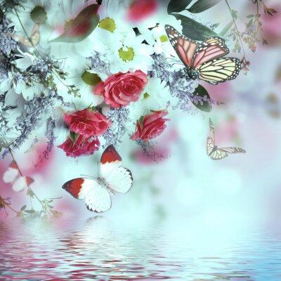 Fototapeta Bukiet róż i delikatnych motyli, kwiatów w tle