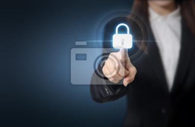 Fototapeta Businesswoman naciskając przycisk zabezpieczający na ekranach wirtualnych, koncepcji i bezpieczeństwa technologii informatycznych i szyfrowania danych. Skopiuj miejsca.