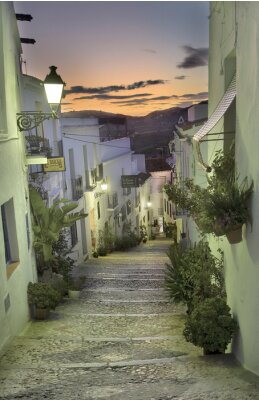 Fototapeta Calle de Frigiliana al ancochecer