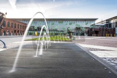 Fototapeta Centrum handlowe w Łodzi przekształcone z budynków przemysłowych do eleganckim miejscem na zakupy, Polska