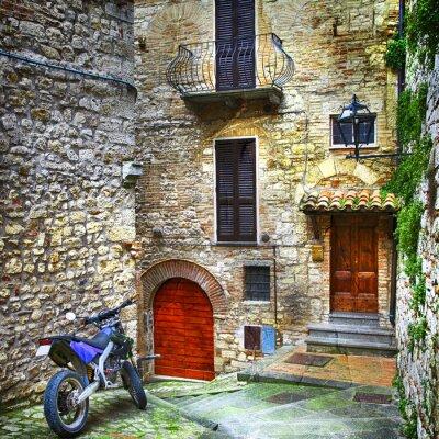 Fototapeta charakterystyczne uliczki średniowiecznych miast we Włoszech