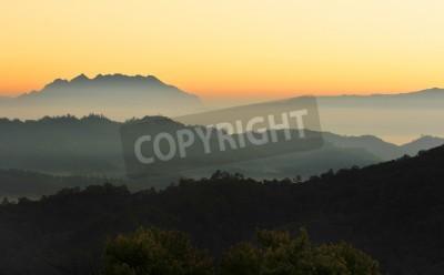 Fototapeta Chiang Mai rano na wzgórzu widokiem, Tajlandia