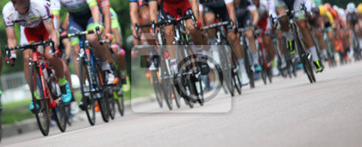 Fototapeta Ciclisti in fila