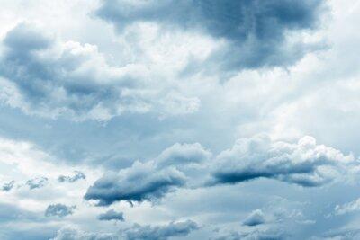 Fototapeta Ciemne złowrogie chmury. Dramatyczna tle nieba