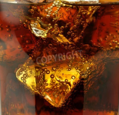 Fototapeta cola z lodem bliska