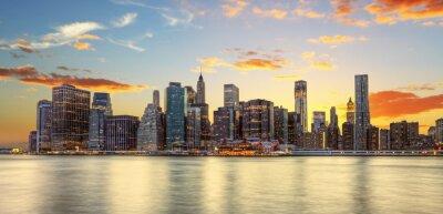 Fototapeta Crépuscule wyborem Manhattanie w Nowym Jorku.