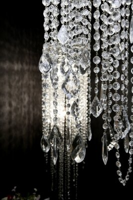 Fototapeta crystal strass lamp white na czarnym tle