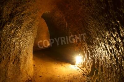 Fototapeta Cu Chi tunelu, historycznym znanym miejscem w wojnie wietnamskiej, podziemna armia kopać wykopane do życia, teraz