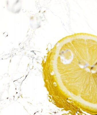 Fototapeta Cytryny w plusk wody