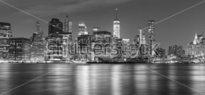 Fototapeta Czarny i biały Nowy Jork panorama przy nocą, usa.