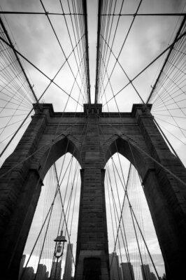 Fototapeta Czarny i biały w górę widok z Brooklyn Bridge