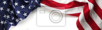 Fototapeta Czerwona, biała i niebieska flaga amerykańska na dzień pamięci lub weterana w tle dzień