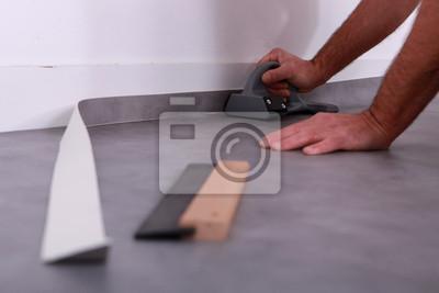 fototapeta cz owiek przycinanie linoleum przed listwy na wymiar biznes ci cie krajobraz. Black Bedroom Furniture Sets. Home Design Ideas