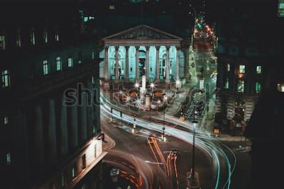 Fototapeta Długa ekspozycja - Royal Stock Exchange - Londyn - Light Trails - City of London