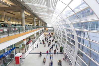 Fototapeta Dojazdy do pracy w terminalu lotniska