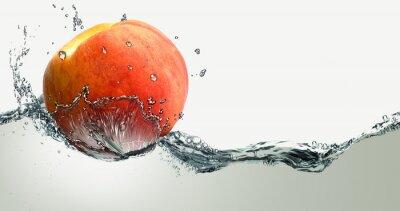Fototapeta Dojrzałych brzoskwiń i rozbryzgi wody.