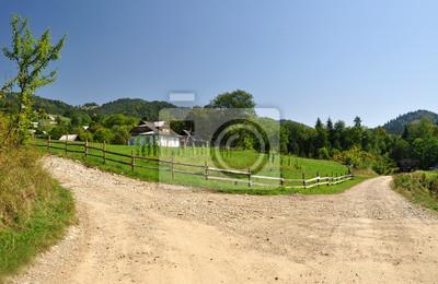 Fototapeta dom w górach