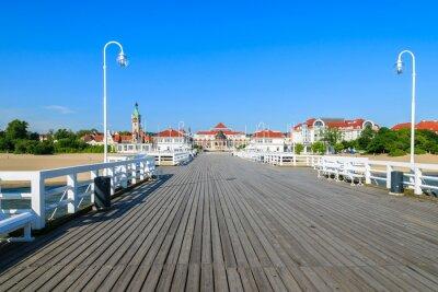 Fototapeta Drewniane molo w Sopocie latem nadmorskim mieście, Morze Bałtyckie, Polska