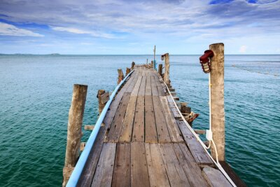 Fototapeta Drewniany most na morzu