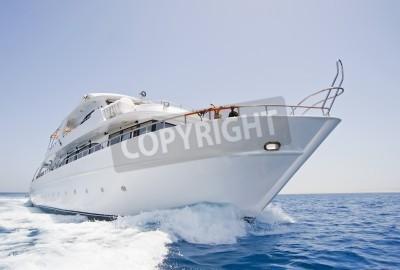 Fototapeta Duży jacht motorowy prywatne w toku na morzu